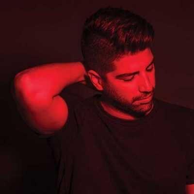Xaniar Khosravi Midoonestam Miri 400x400 - دانلود آهنگ زانیار خسروی من میلیونر نیستم