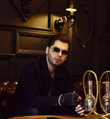 Yusef Zamani – Shik 1 371x400 - دانلود آهنگ جدید یوسف زمانی سلفی