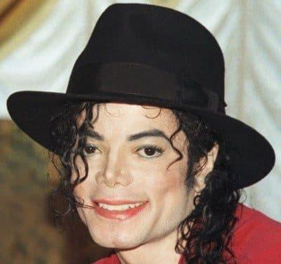 Michael Jackson1 400x376 - دانلود آهنگ مایکل جکسون به نام Bad