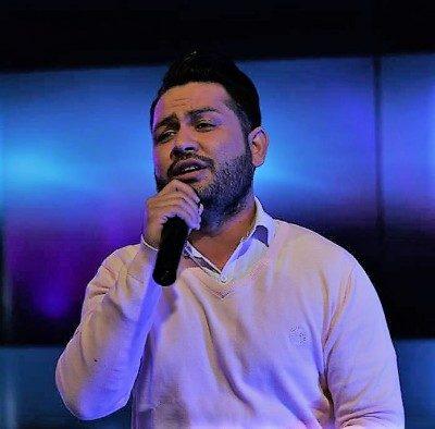 Arash Karimi Ghadam Zadam 400x394 - دانلود آهنگ آرش کریمی به نام قدم زدم