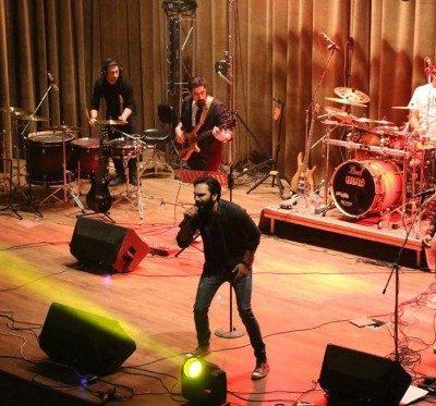 Haman Band Bedoone To 400x373 - دانلود آهنگ هامان بند به نام بدون تو