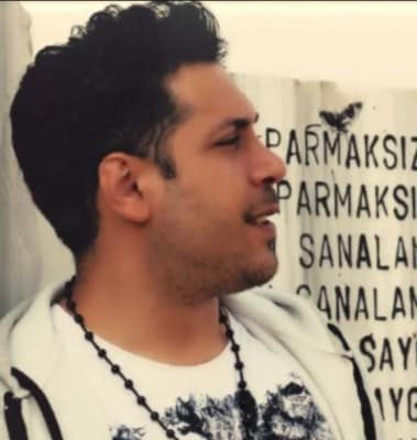Majid yahyahi - دانلود آهنگ مجید یحیایی به نام خاطرات زخمی