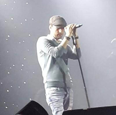 Mehdi Ahmadvand – Eshghe Ye Tarafe - دانلود آهنگ مهدی احمدوند به نام عشق یه طرفه