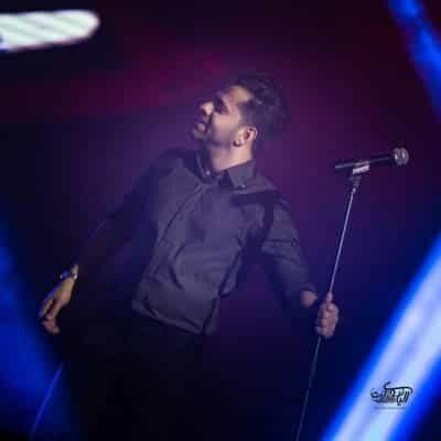 Reza Bahram 1 400x400 - دانلود تمامی نسخه های آهنگ لبخند بزن دیوانه جان من که تو را دوست دارم
