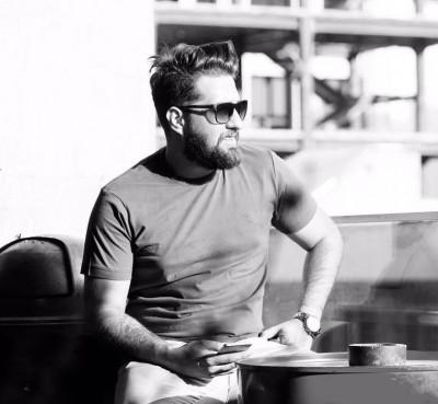 Arshaa Raadin - دانلود آهنگ هیچکیو نمیخوام غیر تو از آرشا رادین