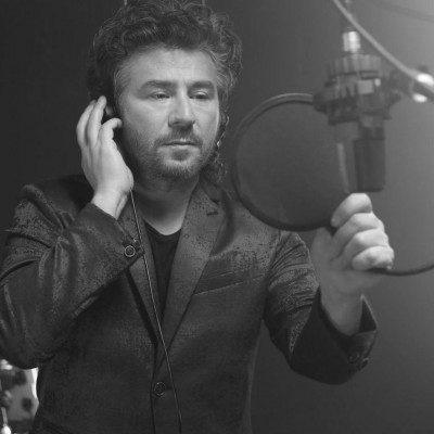 Mansour Sefid Barf 400x400 - دانلود آهنگ منصور به نام سفید برفی