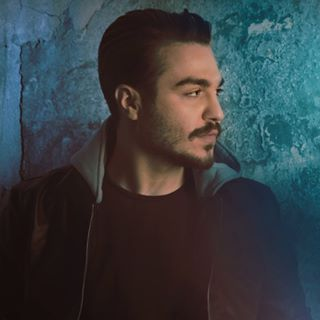 Danial Dana Hesesh Nis - دانلود آهنگ دانیال دانا بی سلیقه