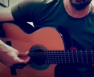 Gitar - دانلود آهنگ دستو دلم میلرزه با گیتار