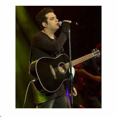 Hamid Askari 18 400x400 - دانلود آهنگ حمید عسکری به نام هزار درجه