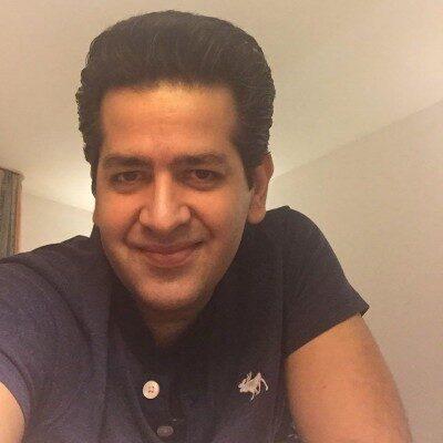 Hamid Talebzadeh5 400x400 - دانلود آهنگ حمید طالب زاده به نام وقتی تو میخندی
