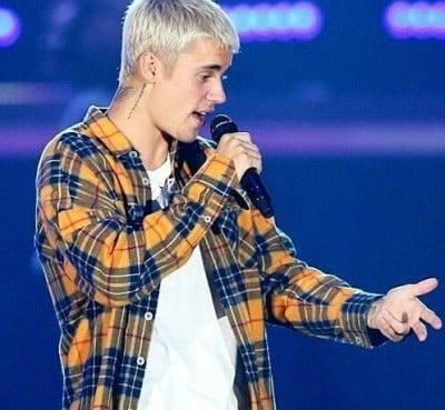 Justin Bieber Fearless  - دانلود آلبوم جاستین بیبر به نام Fearless