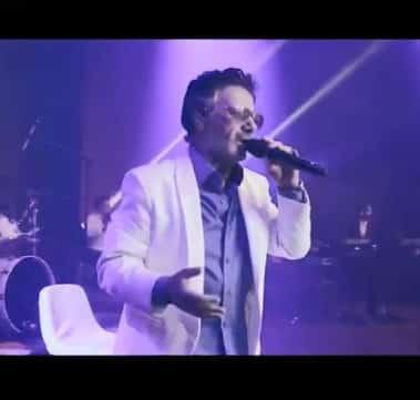 Moein – Pariche - دانلود ورژن اجرای زنده آهنگ معین به نام پریچه