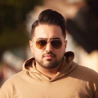 Omid Mostafavi - دانلود آهنگ امید مصطفوی به نام شعله بیدار