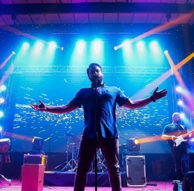 Babak Jahanbakhsh 6 - دانلود اجرای زنده بابک جهانبخش به نام ای وای
