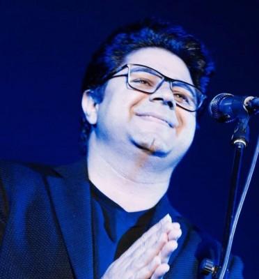 Hojat Ashrafzadeh12 - دانلود آهنگ حجت اشرف زاده به نام عقیق