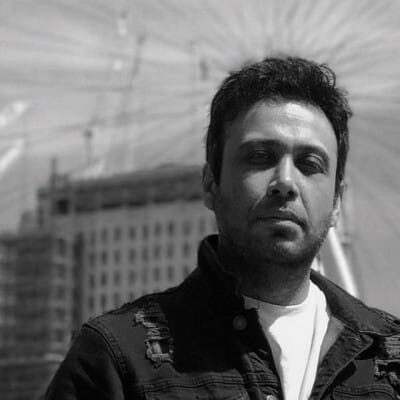 Mohsen Chavoshi10 400x400 - دانلود آهنگ محسن چاوشی به نام دیوار بی در