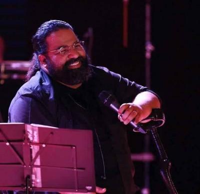 Reza Sadeghi5 - دانلود آهنگ جدید رضا صادقی مهر مادر