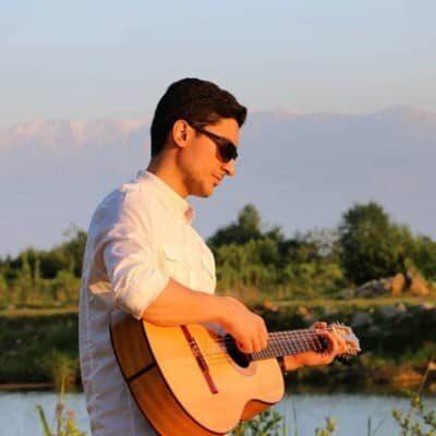Arash Soroush Yare Ashena 400x400 - دانلود آهنگ آرش سروش به نام یار آشنا
