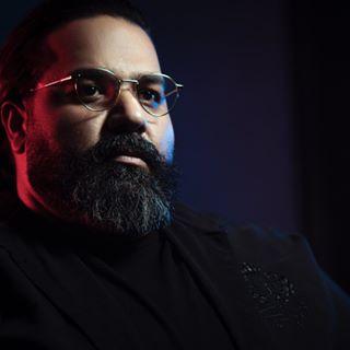 Reza Sadeghi – Eshghe Toei - دانلود آهنگ رضا صادقی به نام عشق تویی