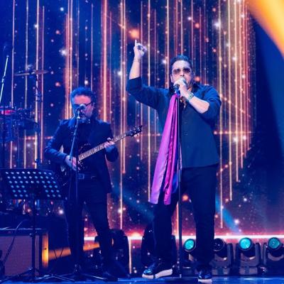siavash 400x400 - دانلود اجرای زنده سیاوش شمس یواش یواش در منوتو