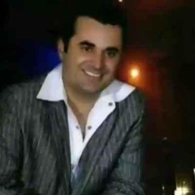 Arash Vala Mano Tanha Nazar 400x400 - دانلود آهنگ آرش والا به نام منو تنها نذار رو قلبم پا نذار
