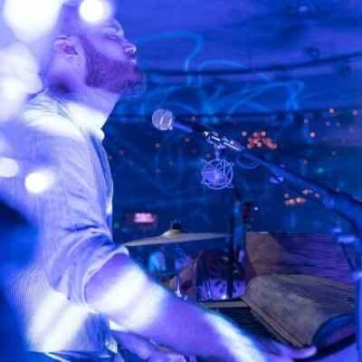Coldplay8 400x400 - دانلود آهنگ کلدپلی The Hardest Part