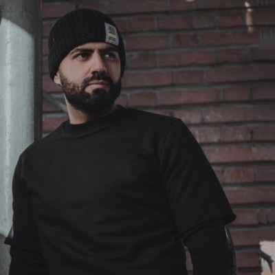 Reza Shiri – Gol Banoo 400x400 - دانلود آهنگ رضا شیری پلاک گردنت