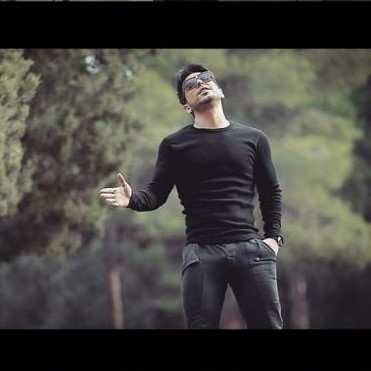Ramin Bibak1 - دانلود آهنگ رامین بیباک تورو با دنیا عوض نمیکنم