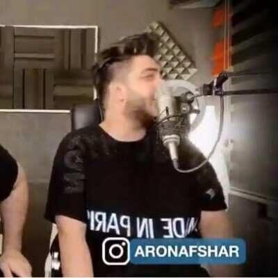 Aron Asdhar 400x400 - دانلود آهنگ آرون افشار ای عشق بساز از قلب خود زندان