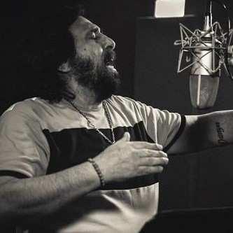 Shahram Shabpareh1 - دانلود آهنگ شهرام شب پره شب توی راهه