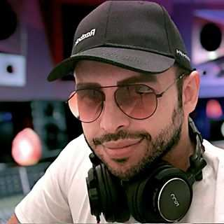 Hossein Nosrati – Divooneye Jazzab - دانلود آهنگ حسین نصرتی دیوونه جذاب