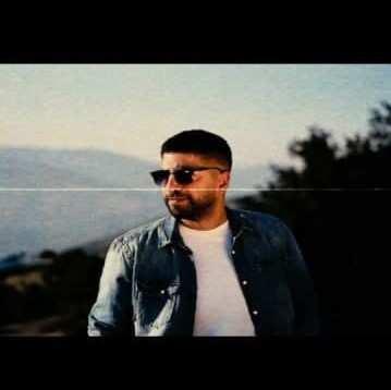 Xaniar Khosravi – Ghabe Akse Khali - دانلود آهنگ زانیار خسروی قاب عکس خالی