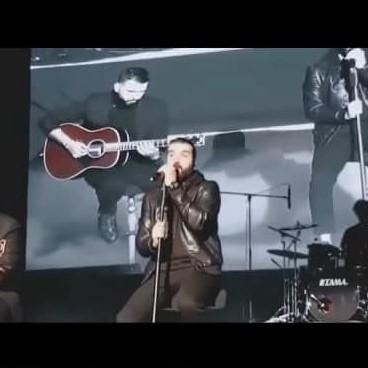 Hoorosh - دانلود اجرای زنده هوروش بند یه اشتباه