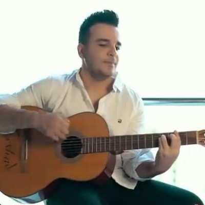 Farhad Forootani - دانلود آهنگ فرهاد فروتنى عاشقم کردی