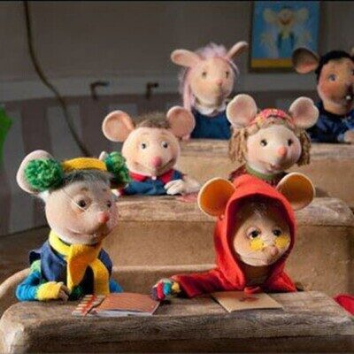 7 5 400x400 - دانلود آهنگ مدرسه موش ها