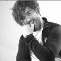 Farshad Mojarad 120x120 - دانلود آهنگ تو بارونی و من شیشه