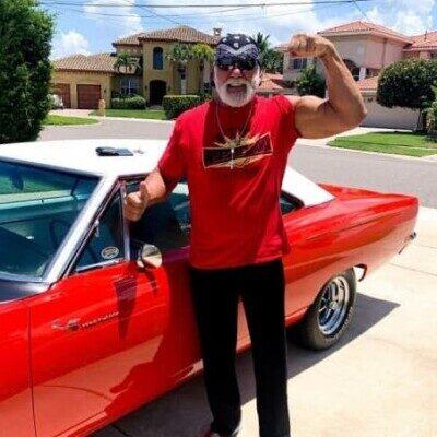 Hulk Hogan 400x400 - دانلود آهنگ ورودی هالک هوگان