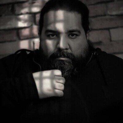 Reza Sadeghi 400x400 - دانلود آهنگ چراغارو خاموش کن هوا هوای درده