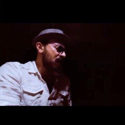 Amir 2 400x400 - دانلود آهنگ امیر چهارم چنان در قید مهرت پای بندم
