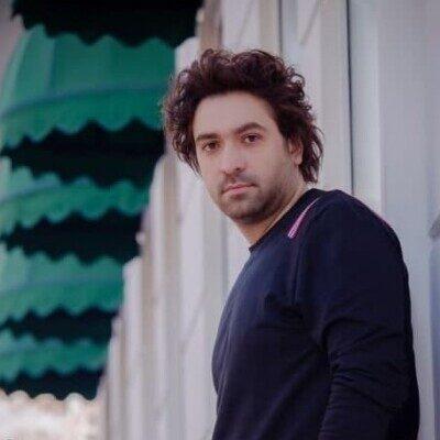 Amir Khoshnam 400x400 - دانلود آهنگ امیر خوشنام عصر مشروطه