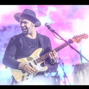 Farshid Adhami - دانلود آهنگ فرشید ادهمی برگ برنده