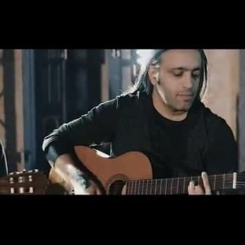 Mohsen Yahaghi i - دانلود آهنگ محسن یاحقی تا دنیا دنیاست
