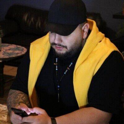 Amir Ghomi 1 400x400 - دانلود آهنگ امیر قمی کاش دوباره برگرده