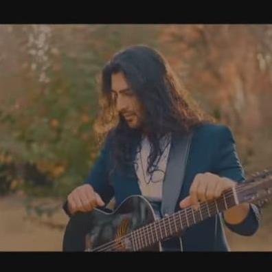 Roham Hadian - دانلود آهنگ رهام هادیان یه خونواده دارم 2